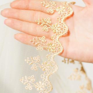 Вышитое кружево, Цвет -  золото на пастельно-желтом 9 см 90см