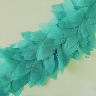Шифоновые лепестки на ленте Цвет - Изумрудный 45см